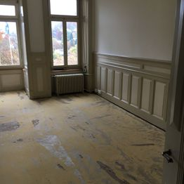 Bodenlegerarbeit vorher - All-in-One Renovationen Hittnau